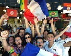 Túlio Gadêlha e Fátima Bernardes celebram vitória da França na Copa