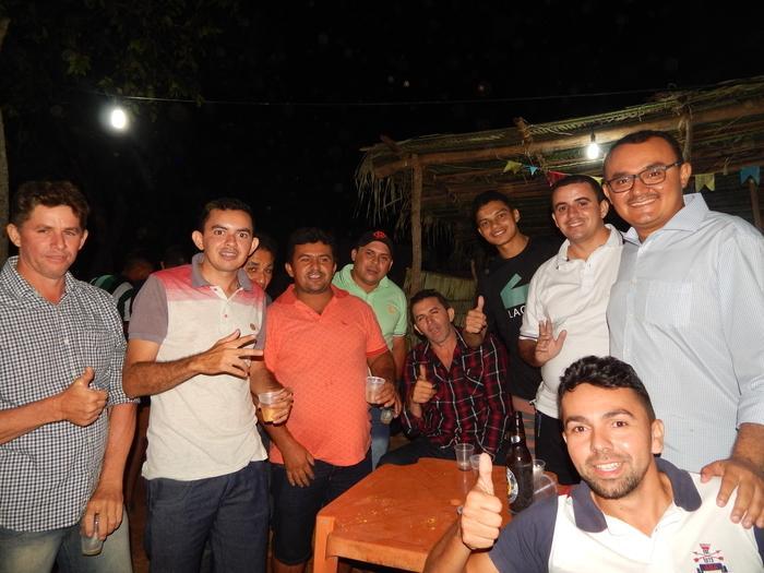 Prefeito Jullyvan Mendes e amigos