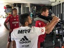 Após adeus à Copa, Guerrero se reapresenta para treinos no Fla