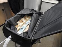 PF apreende R$ 860 mil dentro de mala em aeroporto de São Paulo