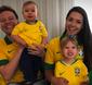 Michel Teló e Thaís Fersoza comemoram vitória com os filhos