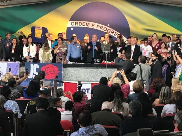Ciro Gomes discursa durante convenção  durante convenção do PDT (Crédito: Alessandra Modzeleski/G1)