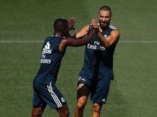 Benzema posta foto com Vinicius Jr. após entrosamento em treino