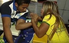 'Dama de Ferro' de Timon se destaca nacionalmente na luta de braço