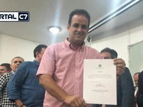 Diego Teixeira participa de solenidade com ministro