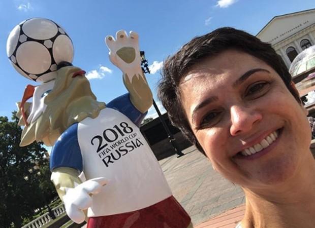 Sandra Annenberg e o mascote da Copa 2018  (Crédito: Reprodução/Instagram)