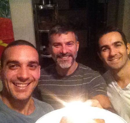 Leandro e Leonardo com um amigo do casal (Crédito:  reprodução/ instagram)