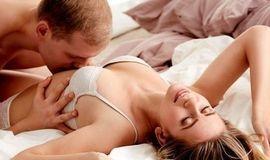 Mulheres que são boas de cama geralmente fazem 7 coisas no sexo