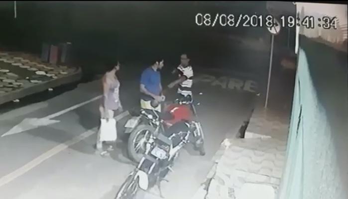 Casal é assaltado ao sair de farmácia no centro de Esperantina (Crédito: Reprodução/Revista AZ)