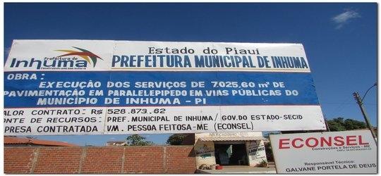 Pavimentação em paralelepípedo- rua do Bairro Araxás