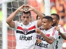 São Paulo vence Sport na Ilha do Retiro e mantém liderança