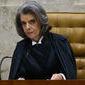 Ministro sugere que Cármen Lúcia abra mão de reajuste salarial