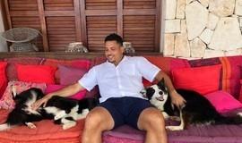Curado de forte gripe, Ronaldo ganha alta e deixa hospital em Ibiza