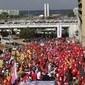 Manifestação em Brasília defende registro de candidatura de Lula