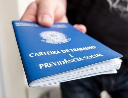 IBGE: 3,1 milhões de brasileiros buscam emprego há mais de 2 anos