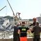 Cerca de 20 pessoas podem estar sob escombros de ponte que caiu
