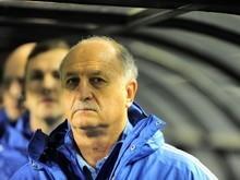 Felipão tem controle não só do time do Palmeiras, mas da arquibanca