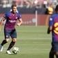 Arthur começa trajetória no Barcelona com 95% de passes certos