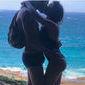 "Tatá Werneck posta foto beijando Rafael Vitti e brinca: ""malhando"""