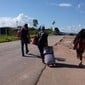 Após ataques de brasileiros, Venezuelanos fogem de Roraima