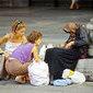 Pesquisa revela que pessoas pobres são mais generosas que as ricas