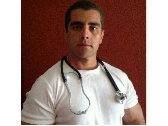 O médico Denis César Barros Furtado, conhecido como Dr. Bumbum (Crédito: Reprodução/Facebook)