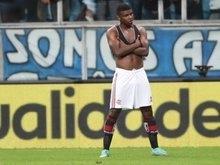 Sob olhar de Tite, Lincoln, do Flamengo, tem admiração do técnico