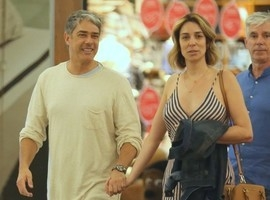 Com casamento marcado, Bonner aparece em público com a noiva