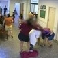 Enfermeira não sai de casa após ser agredida em hospital:'Horrível'