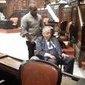Eurico Miranda chega em cadeira de rodas para homenagem ao Vasco