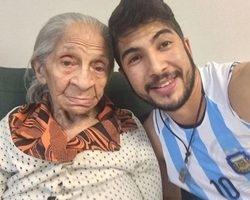 Sucesso na internet, morre vozinha Adelina, aos 85 anos
