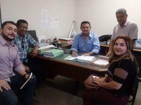 Prefeita participa da assinatura de contrato para asfaltamento
