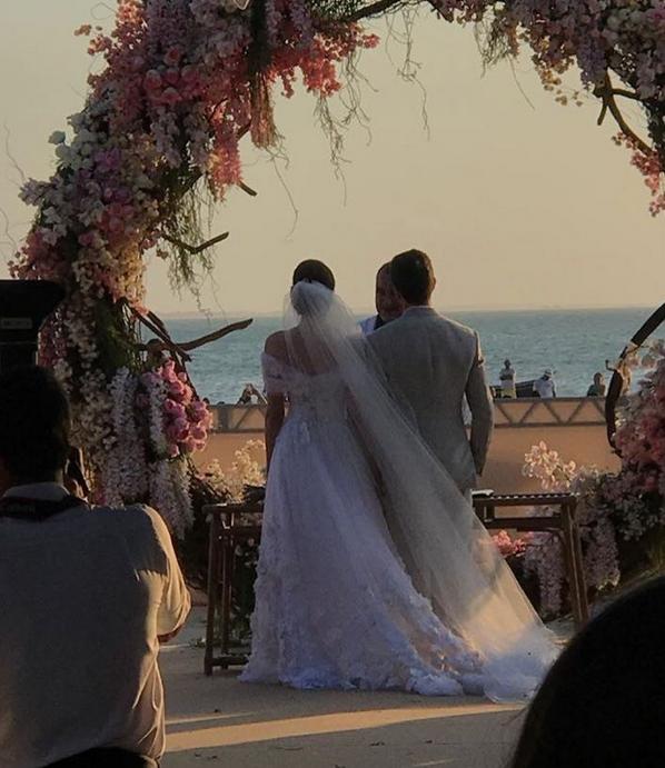 Camila Queiroz e Klebber Toledo se casam em festa luxuosa (Crédito: Reprodução/Instagram)