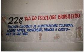 Escola Municipal Porfírio Mendes de Moura comemora dia do folclore