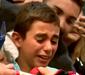 Torcedor mirim do Barcelona desaba em choro ao ver Messi; vídeo