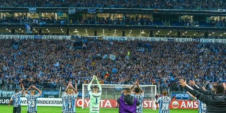 """Grêmio empilha seis atacantes e incorpora espírito """"imortal"""""""
