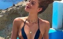 Em post, Marina Ruy Barbosa exibe corpão de biquíni na Grécia