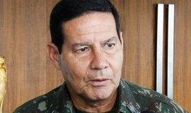 """Vice de Bolsonaro diz que Brasil herdou """"malandragem"""" dos negros"""