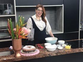 Aprenda a fazer deliciosa receita de bolo de coco cremoso