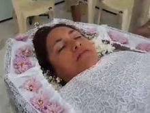 Mulher realiza sonho de ser velada antes de morrer
