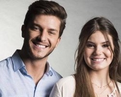 Klebber Toledo e Camila Queiroz dispensam presentes de casamento