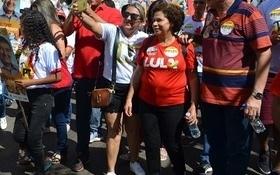 Senadora Regina Sousa participa de caminhada em União