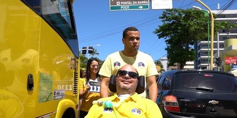 Candidato portador da ELA vai às ruas durante campanha em AL