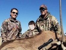 Mulher deixa filho de 8 anos matar animais e gera polêmica