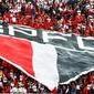 Sem atender pedido da torcida, São Paulo faz treino fechado