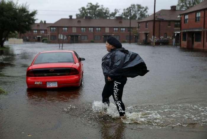 O alerta nos estados que podem ser afetados pela tempestade continua máximo (Crédito:  Somodevilla / Getty Images/AFP)