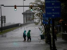Furacão Florence começa a atingir a costa leste dos EUA