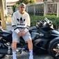 MC Gui ostenta triciclo de R$ 100 mil na web: 'Jet-ski com rodas'