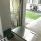 Porta de elevador quebrado cai sobre criança de 2 anos na Paraíba