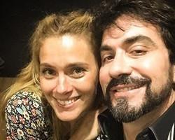 Carolina Dieckmann é homenageada por padre Fábio de Melo